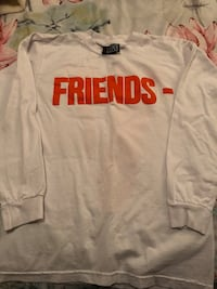 White and red supreme crew-neck shirt Long Beach, 90813