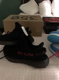 pair of black Adidas Yeezy Boost 350 V2 with box Lafayette, 70508