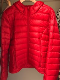 red zip-up bubble jacket Toronto, M5G