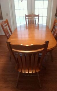 dining room table, 6 chairs, 2 leafs Dade City, 33525