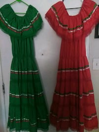 women's green and red dress Visalia, 93291