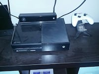 Xbox One console and kinect