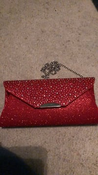 red and white leather wristlet Frederick, 21701