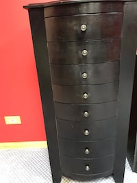 Black wooden jewelry case 587 mi