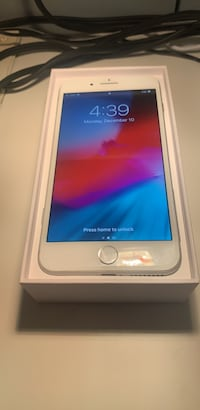 Excellent condition iPhone 8+ 64gb (freedom) Toronto, M6J 1V4