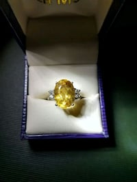 Citrine and diamond ring Cambridge, N3H 4R6