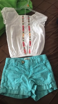 toddler's white and blue shorts Toronto, M3M 2H2