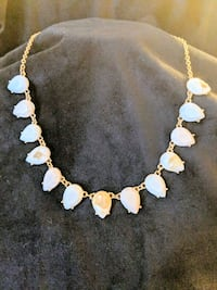 *NWT* White-Beige Marbel Effect Teardrop Necklace Leesburg, 20176