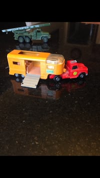 Vintage Matchbox truck and horse trailer diecast