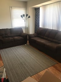 Couch and loveseat set Alexandria, 22307