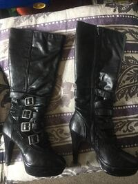 pair of black leather knee-high boots Royersford, 19468