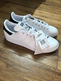 Adidas Stan Smith unisex  (NEW) valeur 130$ Montreal