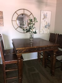 Beautiful Moroccan High Table and 4 chairs San Diego, 92130