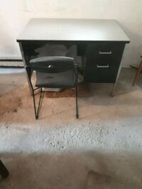 Desk Metal 2 drawer (used) with chair