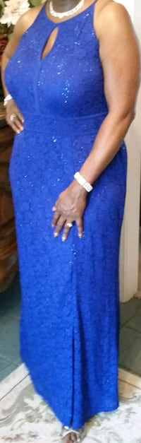 Ladies Beautiful Blue Sequin Gown! Ridgeland, 39157