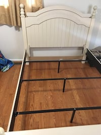 Queen size bed frame  Springfield
