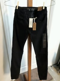 *NEW* AE Women's Black Jeggings  Coquitlam, V3J