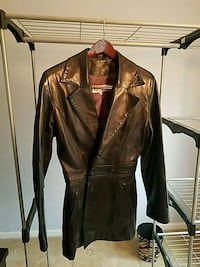 Woman's Black Leather Jacket Oakton