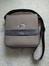 Bossni purse New Westminster, V3M 1G2