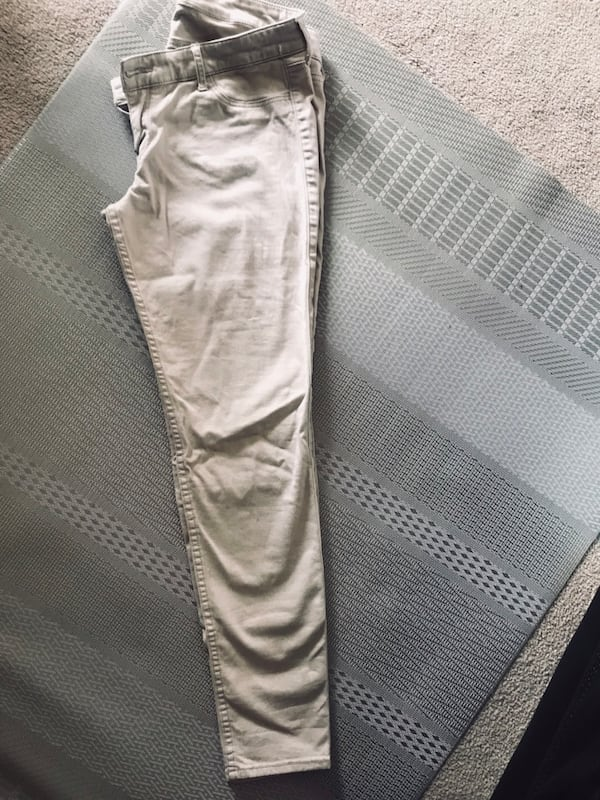 Ladies khaki pants size 31W L 31( May shrunk) 7e754e43-743e-483f-bc19-80c6872fa1f7