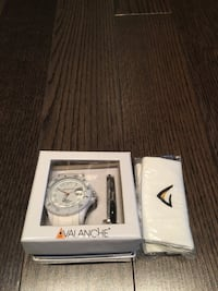 Brand New White Avalanche Analog watch in box bought in UK. Neg. Toronto, M5V 1J2
