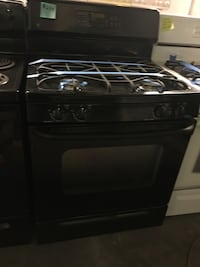 GE gas stove in excellent condition  Baltimore, 21223