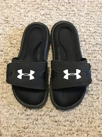 Boys Under Armour sandals  St Thomas, N5R 6J2