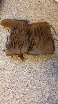 Brown frayed boots size:9 Madisonville, 37354