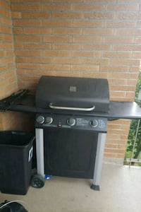 black and gray gas grill St. Catharines, L2M