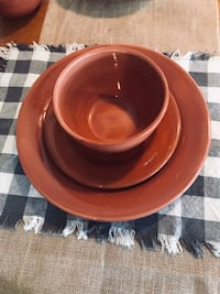 round brown ceramic bowl with lid San Marcos, 92078