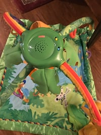 Baby play mat with toys and music Springfield, 22152