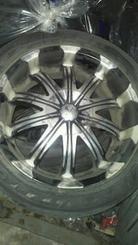 20 inch rims set of 4 only used 2 summers universal bolt pattern