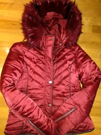 red zip-up bubble jacket Montreal, H9S