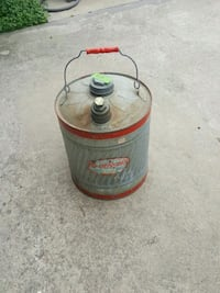 Red and gray metal 5 gallon gas can Gilmer, 75645