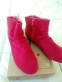 Brand New Kali Booties Size 9. Open 9-5 or Foley