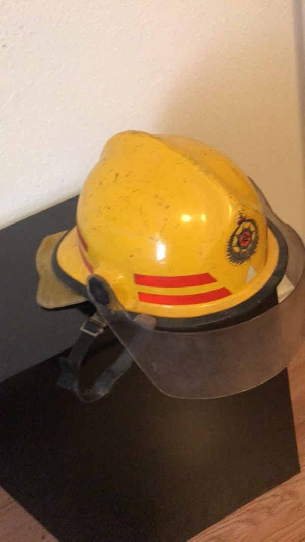 7039c4bb5 Used Yellow full-face fire helmet for sale in Dallas - letgo