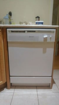 Dishwasher and over the range microwave $200 Mississauga, L5M 7L5
