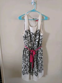 white and black floral sleeveless dress Glendale, 91206