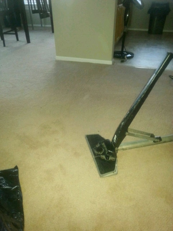 Carpet Cleaning/ Carpet Power Stretching 0