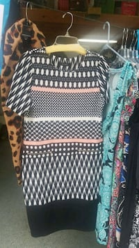 black and white scoop-neck long-sleeved dress North Augusta, 29841