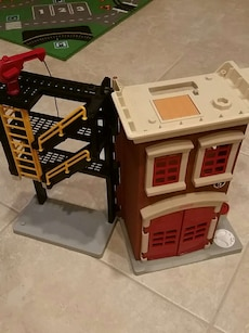Fisher price firehouse playset