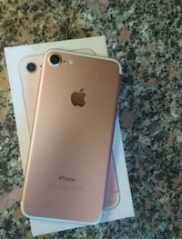 Iphone 7-32gb-rose gold// rogers