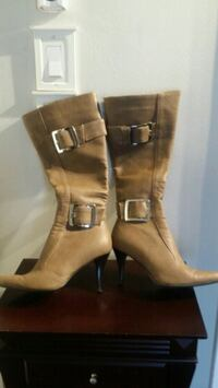 Tan/brown casual boots with buckles Toronto, M9W 3C7