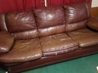 Leather couch Maysville, 30558