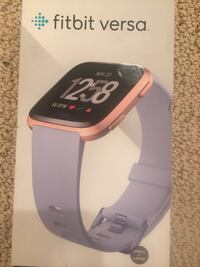 Fitbit Versa Rose Gold with Periwinkle Band 34 km