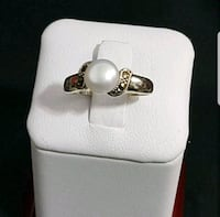 silver-colored ring with clear gemstones Mississauga, L5V 2L7