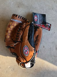 Easton R13 Baseball Glove