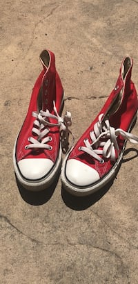 Pair of red converse all star high-top sneakers West Sacramento, 95691