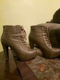 Beige booties size 8.5 Courtright, N0N 1H0
