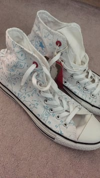Brand New Converse High Top Sneakers Mississauga, L5M 6B4